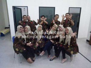 seragam-batik-jogja-pusat-konveksi-penjahit-jahit-seragam-batik-kantor-kerja-keluarga-instansi-perusahaan-sekolah-guru-4