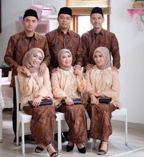 seragam batik untuk keluarga pernikahan